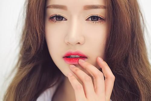 Môi hồng xinh xắn với kĩ thuật phun xăm môi mới