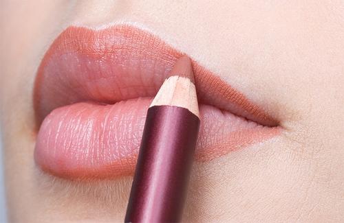 Xăm môi theo cách mới, bạn đã biết chưa?1