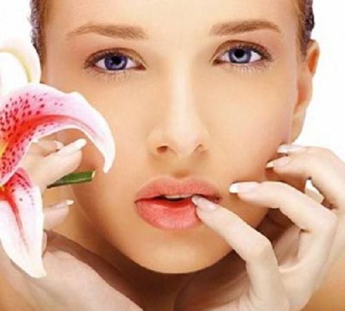 Cách trị môi thâm đen