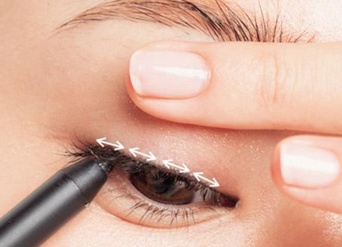 3 cách kẻ mí mắt giúp mắt to và đẹp tự nhiên 2