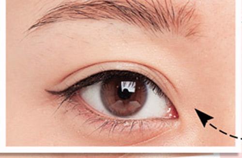 3 cách kẻ mí mắt giúp mắt to và đẹp tự nhiên 3