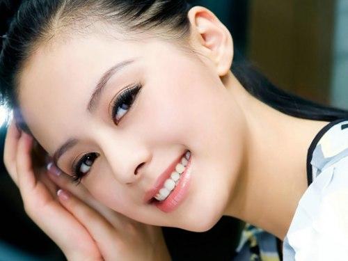 5 việc bạn nên làm để có đôi môi hồng xinh xắn
