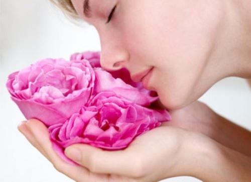 3 công thức làm hồng môi hiệu quả - dễ làm- tiết kiệm