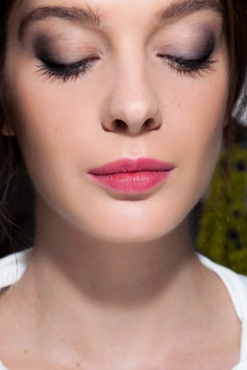 Bạn phù hợp nhất với màu mắt môi nào?