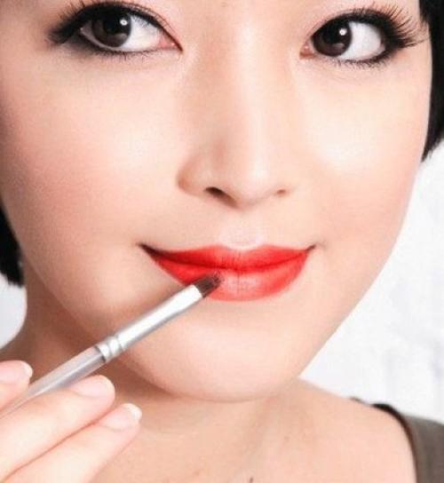 Hướng dẫn cách trang điểm môi đẹp phù hợp với nước da