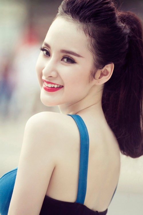 Sao Việt nào sở hữu dáng lông mày ngang chuẩn nhất?