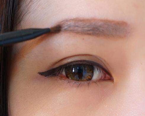 TMV Đông Á giúp bạn trả lời câu hỏi: Có nên làm lông mày không